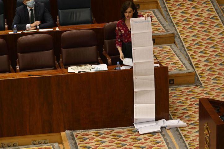 Isabel Diaz Ayuso defiende la gestión de su Gobierno sobre las residencias de ancianos en el Pleno de la Asamblea