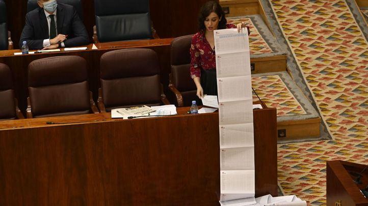 Isabel Díaz Ayuso defiende la gestión de su Gobierno sobre las residencias de ancianos en el Pleno de la Asamblea