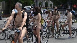 Nueva edición de la marcha ciclonudista por el centro de Madrid