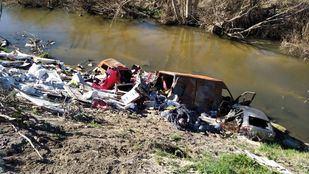 El entorno del río Guadarrama en los municipios de Móstoles, Navalcarnero y Arroyomolinos se encuentra muy degradado debido a la basura allí vertida