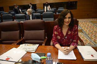 Ayuso insiste en que si se acaba antes la legislatura en Madrid no será por ella