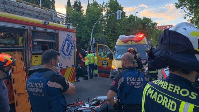 Un choque entre un turismo y una moto se salda con un fallecido y dos heridos