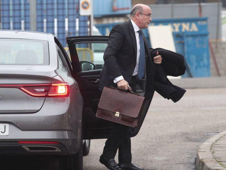 Pérez de los Cobos presenta recurso ante Interior un mes después de su cese