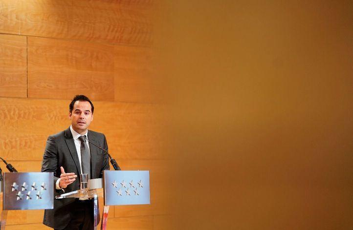 Críticas 'al paripé' que el Gobierno de España ha preparado como protocolo para Barajas