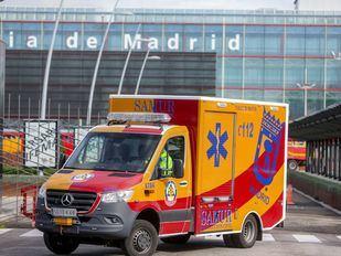 Salida de una ambulancia del Samur del Hospital de Ifema.