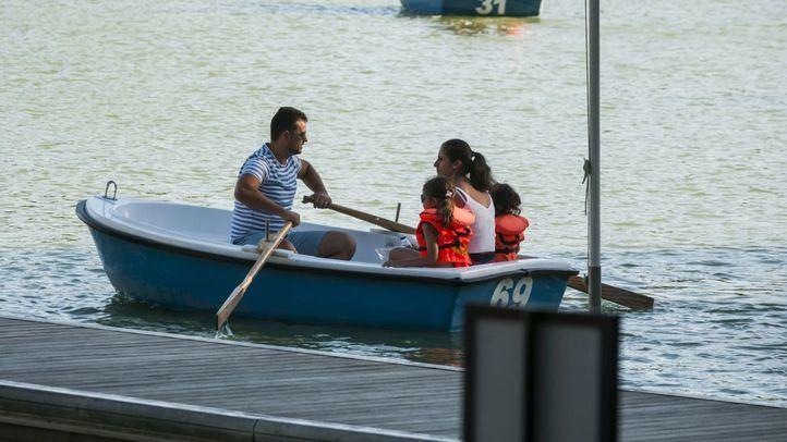 Barca en el estanque de El Retiro