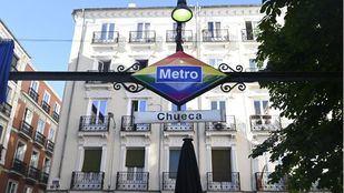 Chueca lucirá de manera permanente el logo de Metro con los colores arcoíris