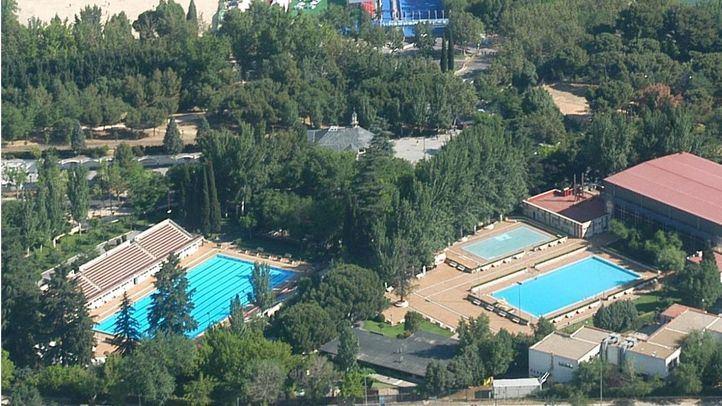 Investigado uno de los encargados de la piscina de Lago por insultar a un grupo de 'menas'