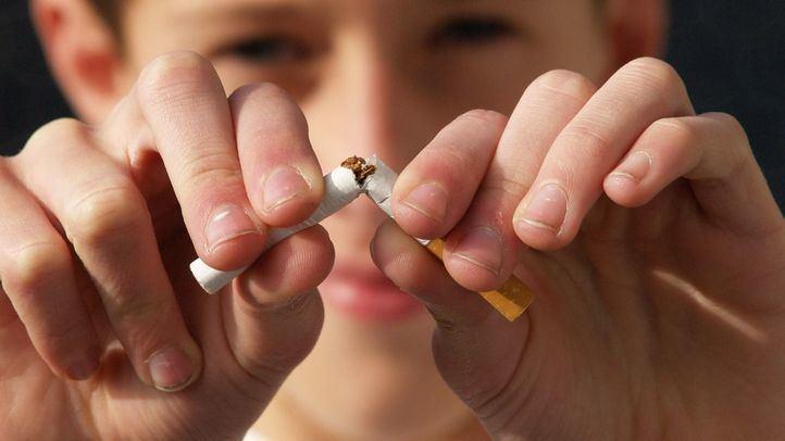 Sanidad recomienda no fumar ni vapear en espacios públicos para evitar contagios