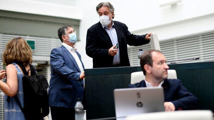 El PSOE, que apoya los Pactos de Madrid, enmienda el documento final