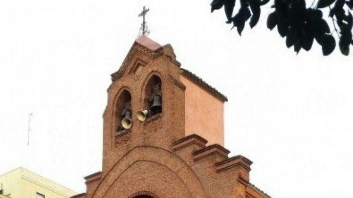 Un hombre irrumpe en una misa en Vallecas al grito de
