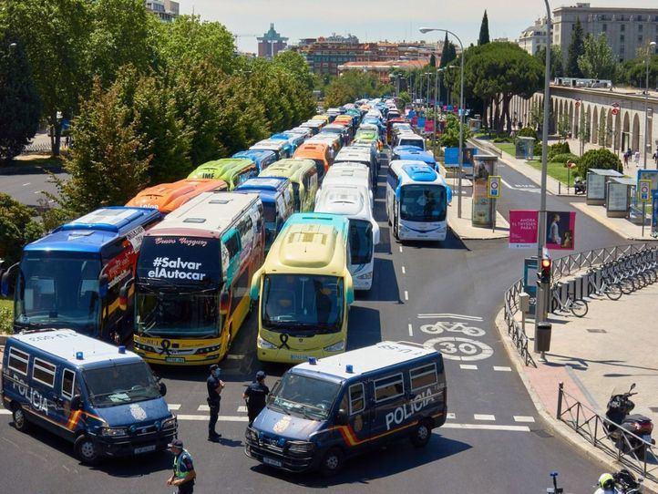 Empresarios de autocares piden un plan de 'reconstrucción' para el sector
