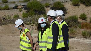 Ayuso visita las obras del futuro hospital para pandemias: