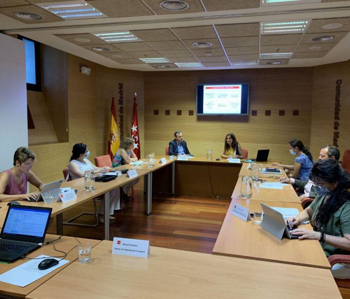 Alberto Reyero se reúne con los portavoces de la Comisión de Políticas Sociales en la Asamblea de Madrid