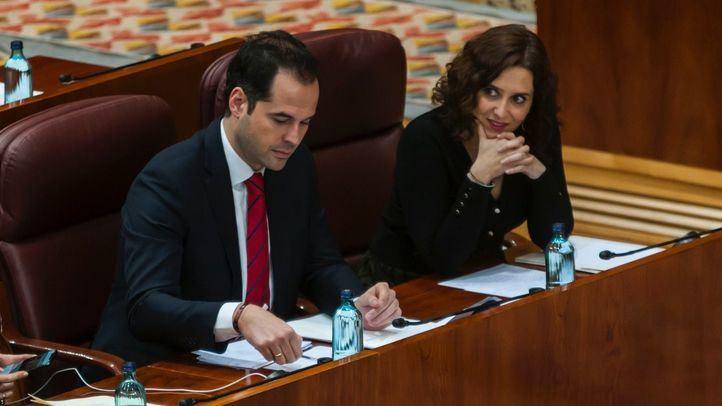 Ayuso y Aguado durante un pleno en la Asamblea de Madrid