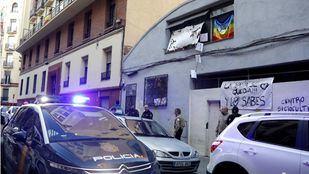 Los okupas de 'La Yaya' abandonan el edificio