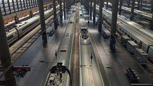 Un hombre se precipita a las vías de Atocha