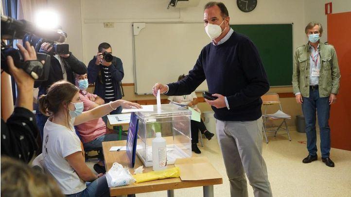El PP de Madrid envía al País Vasco 358 apoderados para participar en las elecciones