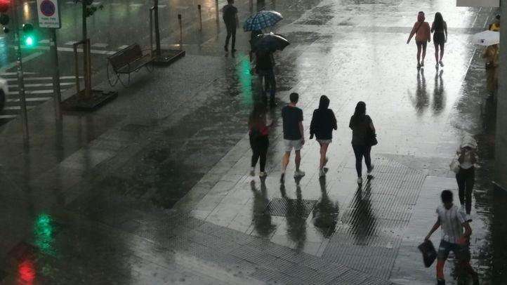 La Gran Vía de Madrid, en plena tormenta.