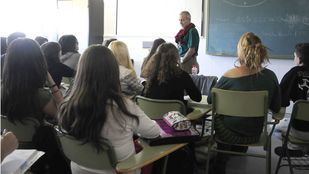 Profesores de francés y alemán exigen que no dejen sus asignaturas solo a una hora semanal