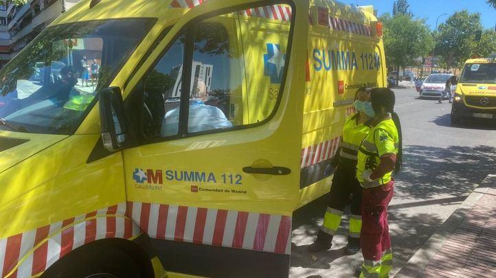 Ambulancia del Summa en el lugar del accidente.