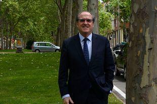 Ángel Gabilondo: 'El Gobierno de Madrid tiene una tendencia irrefrenable a mantener vivos contenciosos con el Gobierno central'