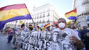 Colectivos de Memoria Histórica piden justicia social coincidiendo con el 18 de julio