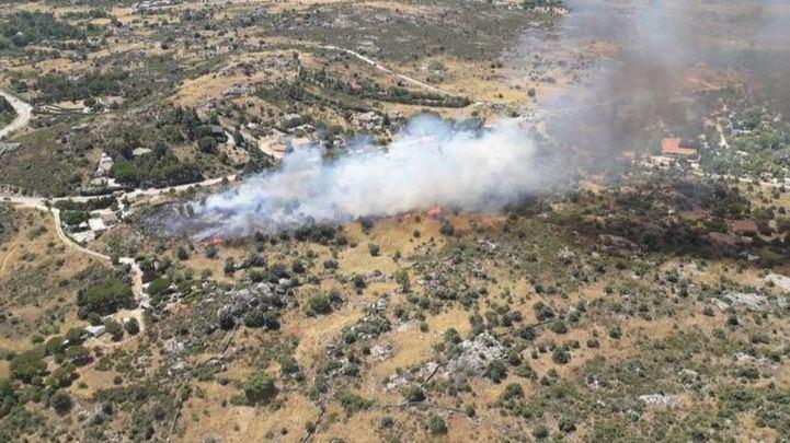 Desalojado un cámping en El Berrueco por un incendio cercano