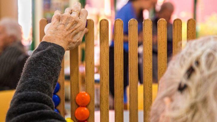 Madrid priorizará el acceso al sistema sanitario de las residencias que tengan menos medios