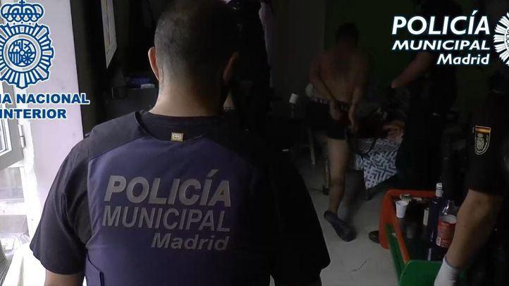Agentes de Policía Municipal de Madrid y Policía Nacional desmantelan tres 'narcopisos' en el distrito de Tetuán