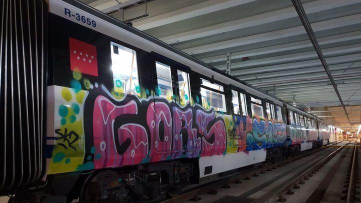 Imagen de los vagones de Metro pintados por los detenidos.