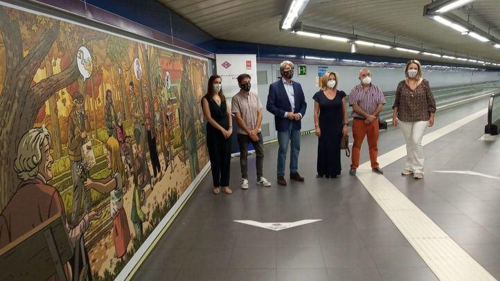 Un gran mural rinde homenaje a los mayores en la estación de metro de Plaza de Castilla