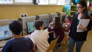 Prohibición de usar el móvil en las aulas el próximo curso
