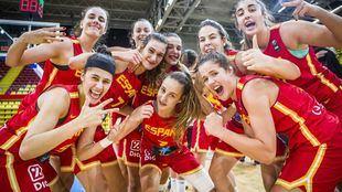Jugadoras de la actual selección Sub 16 de baloncesto femenino