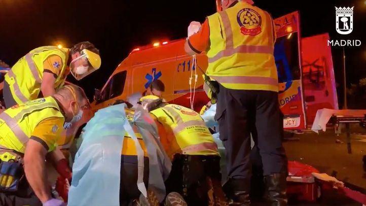 Herido grave un motorista tras colisionar con un turismo en la Avenida de los Poblados
