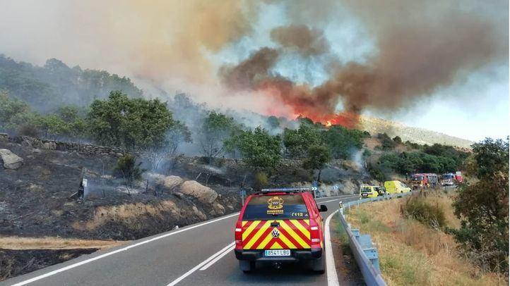 Activado el nivel 2 en el incendio de Robledo de Chavela por su proximidad a Zarzalejo