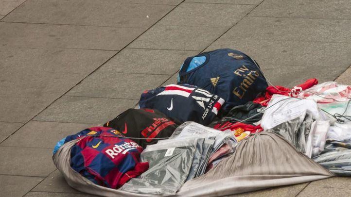 La venta ambulante ilegal dificulta la recuperación del comercio tradicional en Pedro Laborde