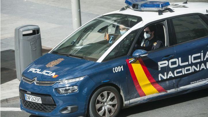 Tres detenidos en Hortaleza por robo y agresión a un joven que no les dio un cigarrillo