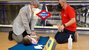La red de Metro contará con 291 desfibriladores.