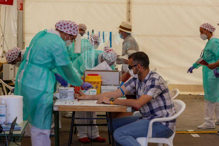 Carpa en la que se llevaron a cabo test masivos en Torrejón de Ardoz