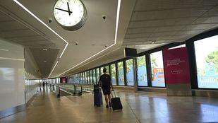 Madrid calcula que 300 positivos asintomáticos entraron por Barajas
