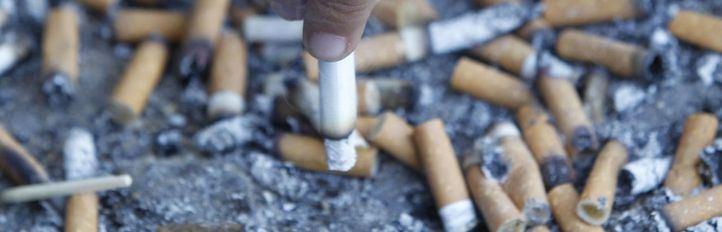 El Gobierno cierra los locales de ocio nocturno y prohíbe fumar en espacios públicos