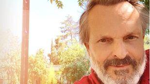 Miguel Bosé apoya la manifestación contra el uso obligatorio de mascarillas