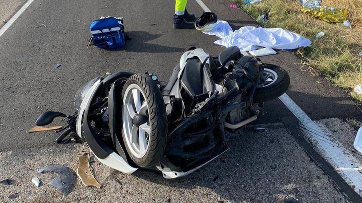 Herida grave una motorista en un choque frontal contra otro vehículo en Casarrubuelos
