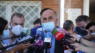 Antonio Zapatero visita las pruebas PCR en Alcobendas