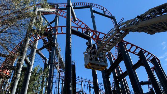 Rescatan a diez personas de una atracción del Parque de Atracciones