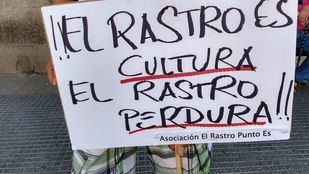 Octavo domingo de protestas de los comerciantes del Rastro