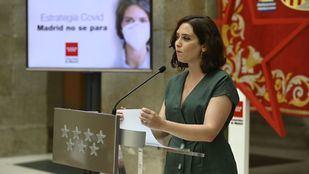 Madrid pide revocar el auto que anula prohibir fumar en la calle y reprocha al juez que se