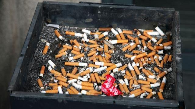 Cenicero de tabaco.