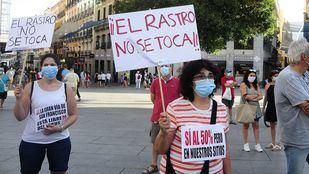 Los comerciantes del Rastro acusan al Ayuntamiento de querer
